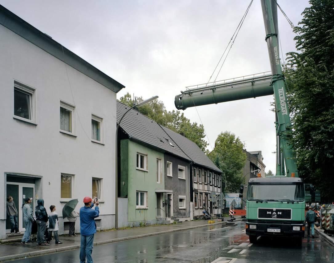 Demontage einer Gichtgas-Leitung über der Weingartenstraße