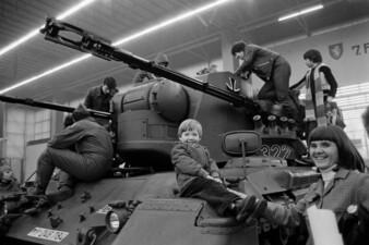 Bundeswehr-Präsentation auf der Jochen Rindt-Show in den Gruga Messehallen in Essen