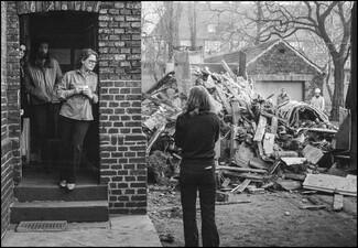 Unter dem Protest der Mieter: Abbruch eines Zechenhauses in der Auguststraße
