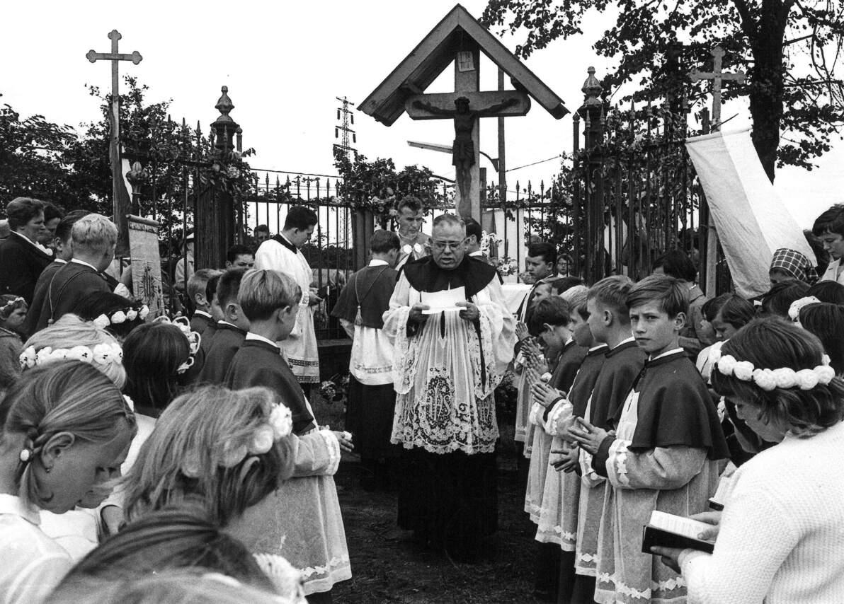 Bookenprozession Obercastrop St. Elisabeth mit Pfarrer Kuhfus